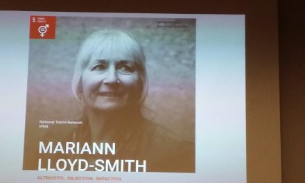 Congratulations to Dr Mariann Lloyd-Smith for her award!